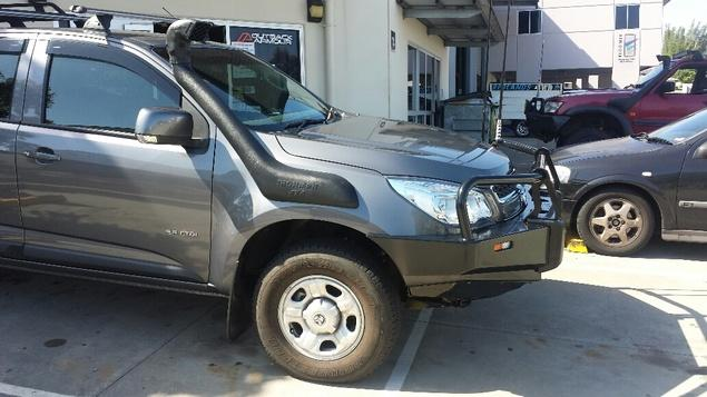 how to tell if navara is spanish or thai built