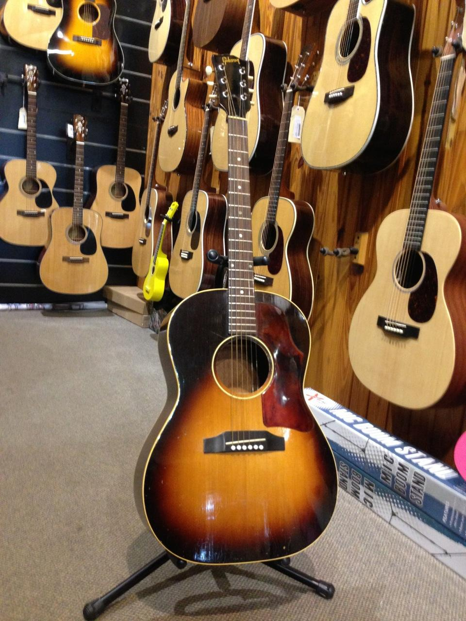 GIBSON LG1 1968 ACOUSTIC