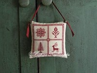 HOLLY TREVELYAN CHRISTMAS PILLOW - Beehive Needleworks