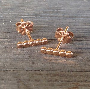 beaded rod stud