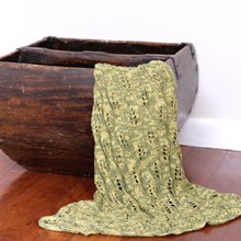 Just Sprouted - Hand Knitted Blanket Leaf - Green Verigated