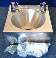 Hand wash sink with lever taps - EN135