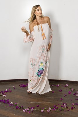 """""""City Of Angels"""" - Off The Shoulder Maxi Dress in Peach"""