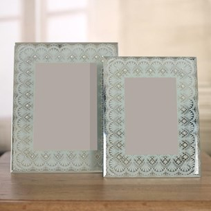 'Scalloped Lace' Photo Frame - Two Sizes
