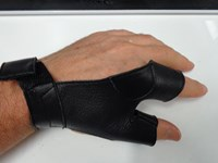 Two Finger Glove Black