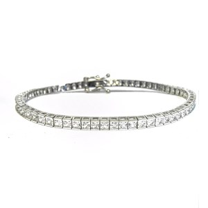 The Square Cut Tennis Bracelet