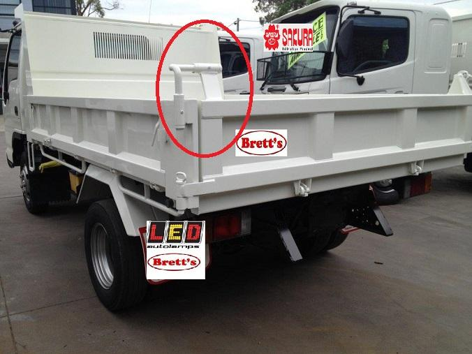 Body door hinge swinging truck