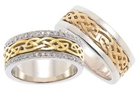 ID309 Desire - Diamonds,This exquisite closed weave ring is a real head turner